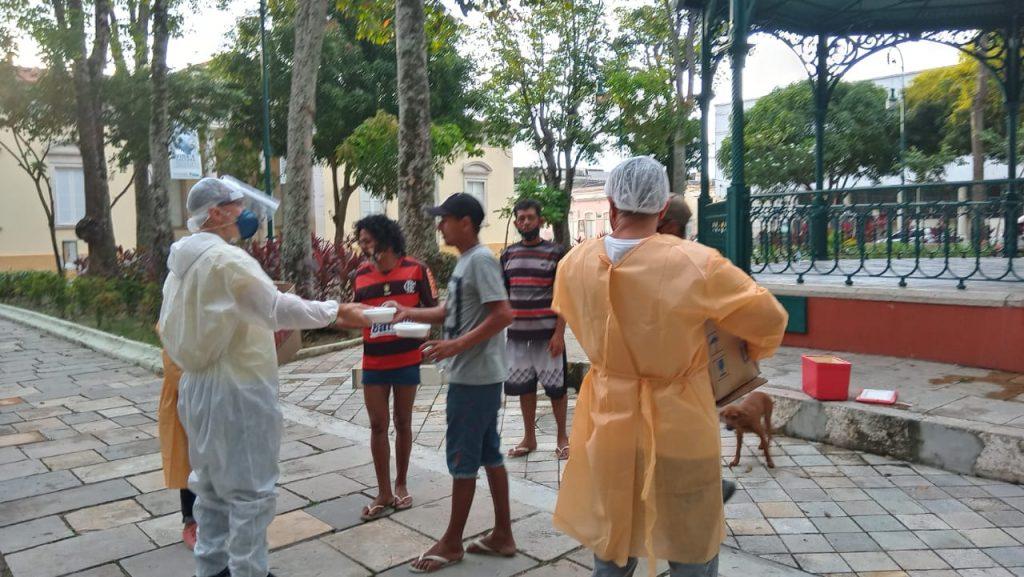 distribuição de alimentos para pessoas em vulnerabilidade socioeconômica